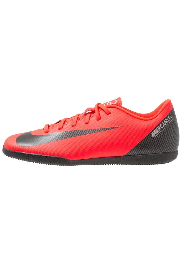 chaussure de foot en salle
